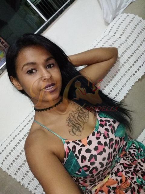 Kelly-Rocha-garota-de-programa-morena-em-franca-1 Kelly Rocha